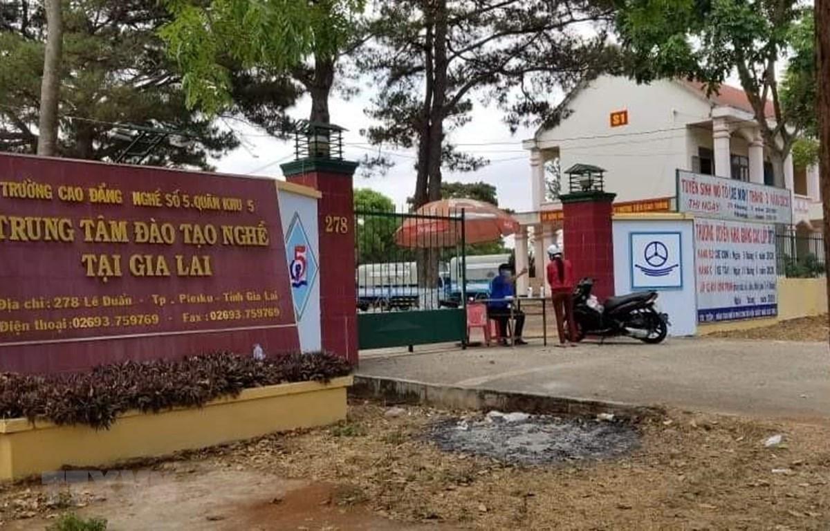 Trung tâm sát hạch lái xe loại 3 thuộc Trung tâm đào tạo nghề tại Gia Lai (278 Lê Duẩn, thành phố Pleiku, tỉnh Gia Lai) nơi tổ chức thi sát hạch lái xe ngày 25/3. (Ảnh: Hồng Điệp/TTXVN)