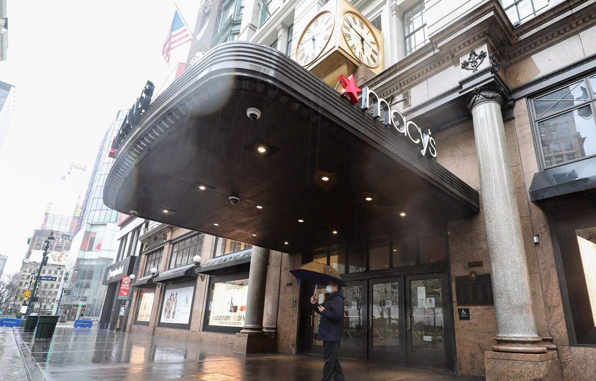 Cửa hàng tại New York, Mỹ, đóng cửa ngày 23/3/2020, trong bối cảnh dịch COVID-19 lan rộng. (Ảnh: THX/TTXVN)