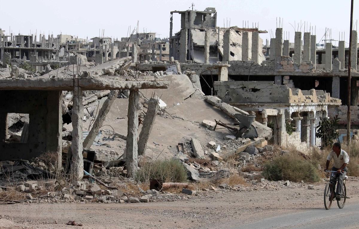 Cảnh đổ nát sau các cuộc giao tranh ở thành phố Daraa, Syria tháng 7/2019. (Ảnh: AFP/TTXVN)