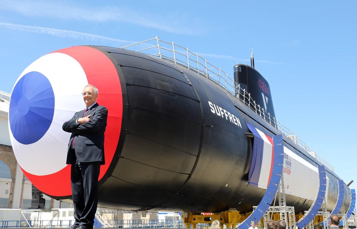 Tàu ngầm hạt nhân Suffren tại lễ hạ thủy ở căn cứ hải quân ở Cherbourg, Pháp, ngày 12/7/2019. (Ảnh: AFP/TTXVN)