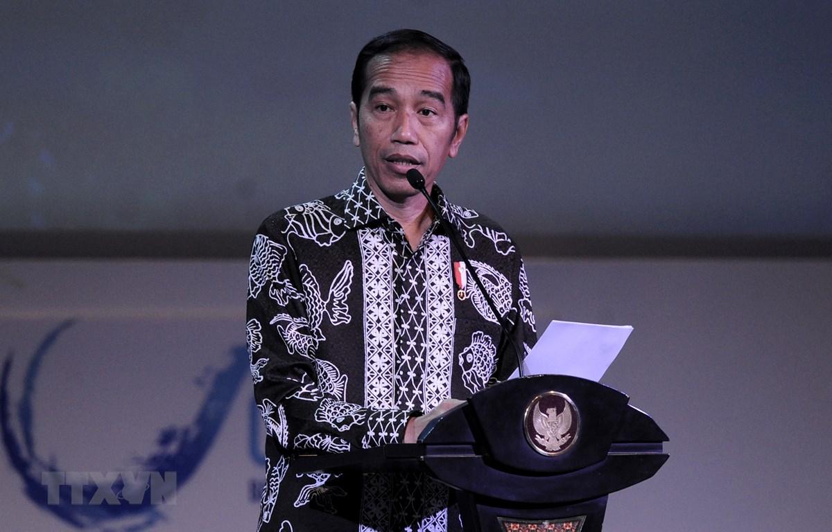 Tổng thống Indonesia Joko Widodo phát biểu tại một sự kiện trên đảo Bali. (Ảnh: AFP/TTXVN)