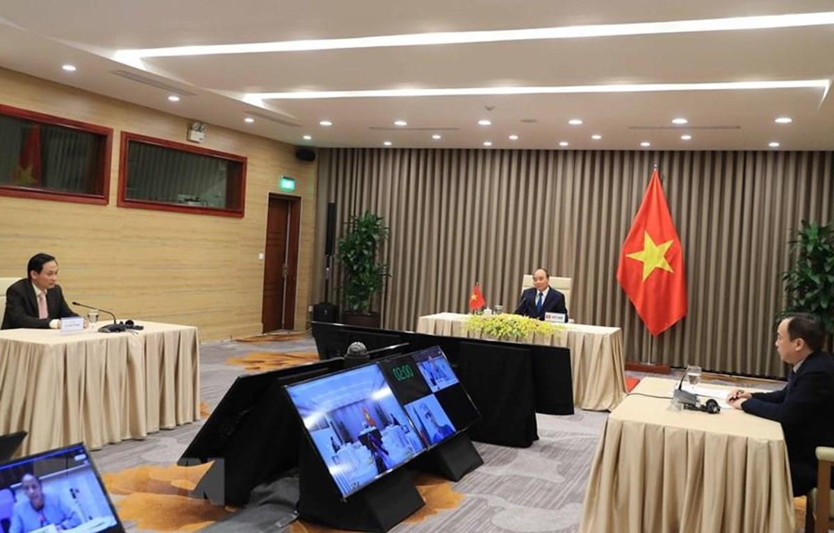Thủ tướng Nguyễn Xuân Phúc dự cuộc họp trực tuyến Khóa 73 Đại hội đồng Tổ chức Y tế Thế giới. (Ảnh: Thống Nhất/TTXVN)