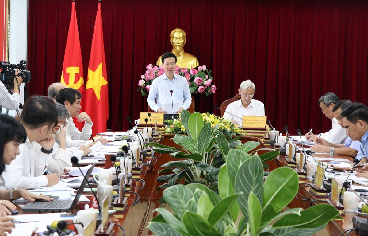 Trương Ban Tuyên giáo Trung ương Võ Văn Thưởng chủ trì buổi làm việc với Ban Thường vụ Tỉnh ủy Đồng Nai. (Ảnh: Sỹ Tuyên/TTXVN)
