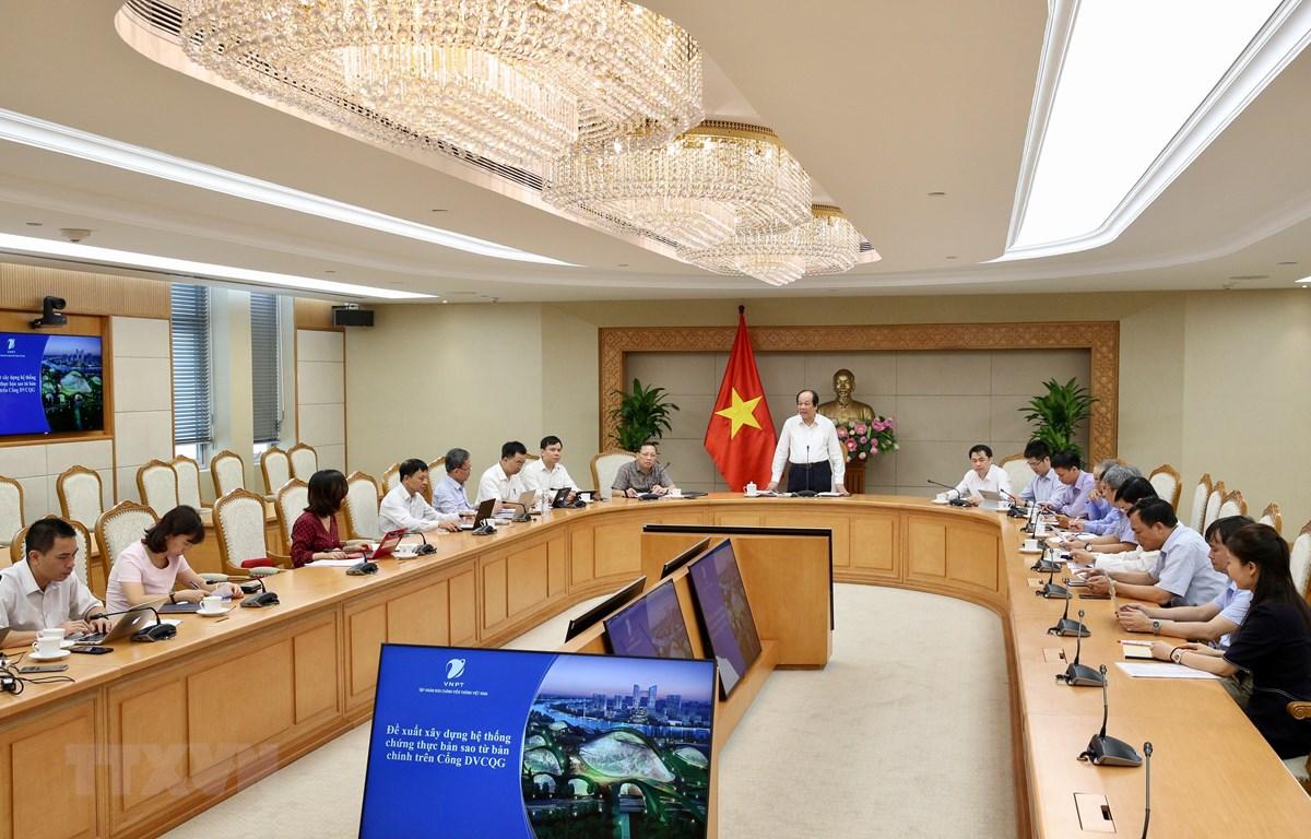 Bộ trưởng, Chủ nhiệm Văn phòng Chính phủ Mai Tiến Dũng chủ trì cuộc họp. (Ảnh: Dương Giang/TTXVN)