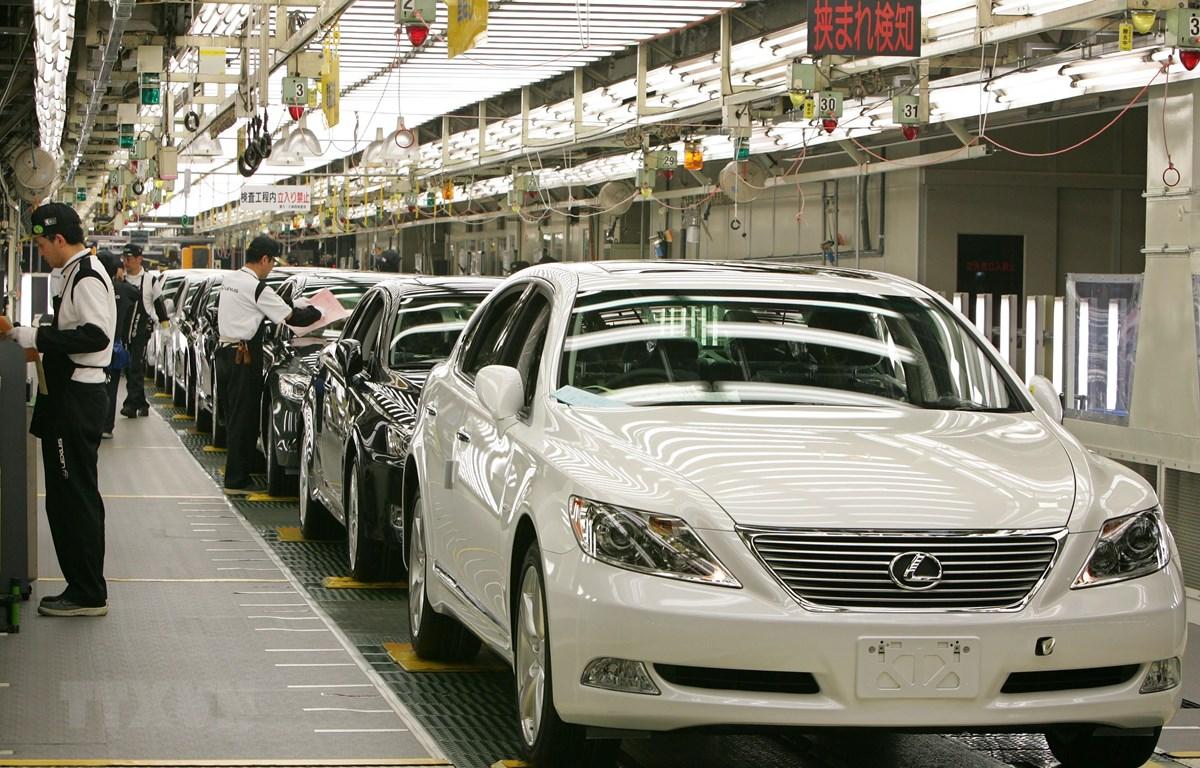 Ôtô mới lắp ráp tại một nhà máy của Toyota, ở Aichi, Nhật Bản. (Ảnh: AFP/TTXVN)