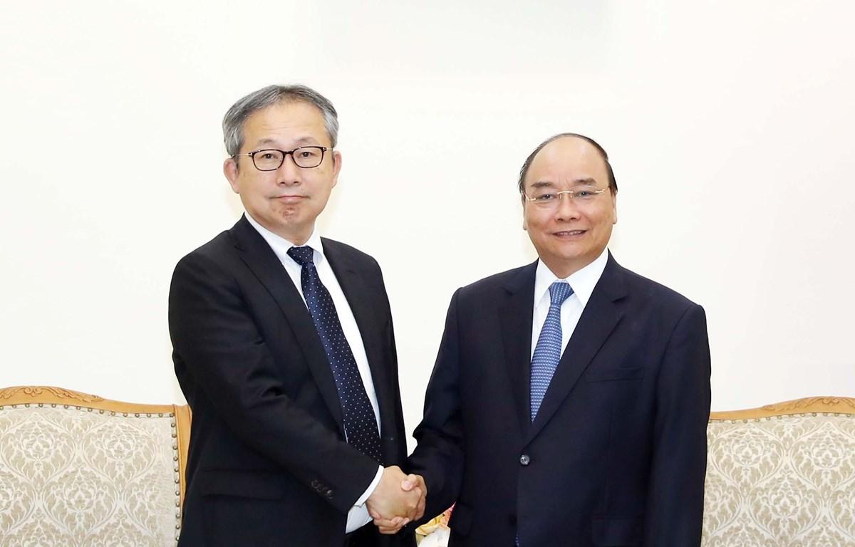 Thủ tướng Nguyễn Xuân Phúc và Đại sứ đặc mệnh toàn quyền Nhật Bản tại Việt Nam Yamada Takio. (Ảnh: Thống Nhất/TTXVN)