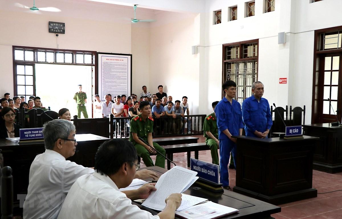 Quang cảnh phiên tòa xét xử sơ thẩm vụ án. (Ảnh: Thanh Hải/TTXVN)
