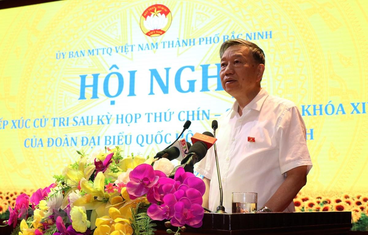Đại tướng Tô Lâm, Bộ trưởng Bộ Công an phát biểu tại buổi tiếp xúc cử tri. (Ảnh: Đinh Văn Nhiều/TTXVN)