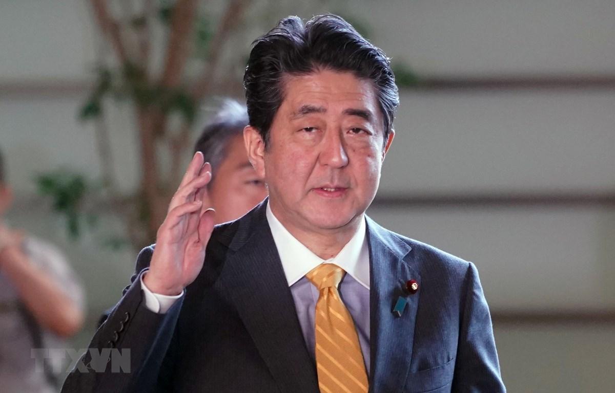 Thủ tướng Nhật Bản Shinzo Abe phát biểu trong cuộc họp báo tại Tokyo. (Ảnh: AFP/TTXVN)