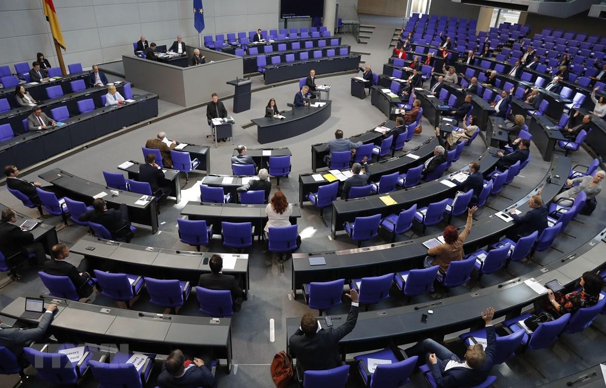Toàn cảnh phiên họp Quốc hội Đức ở Berlin ngày 29/5/2020. (Ảnh: AFP/TTXVN)