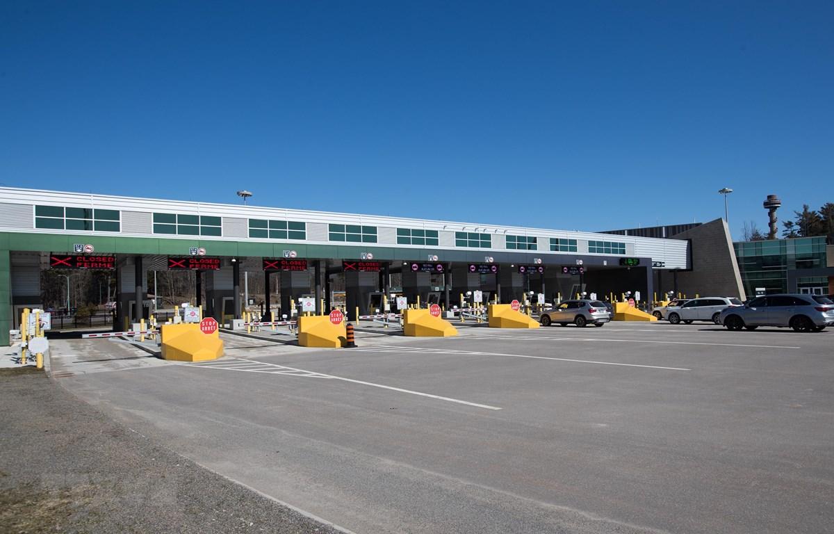 Cửa khẩu biên giới Mỹ-Canada tại Lansdowne, Ontario, Canada, đóng cửa ngày 22/3/2020 trong bối cảnh dịch COVID-19 lan rộng. (Ảnh: AFP/ TTXVN)
