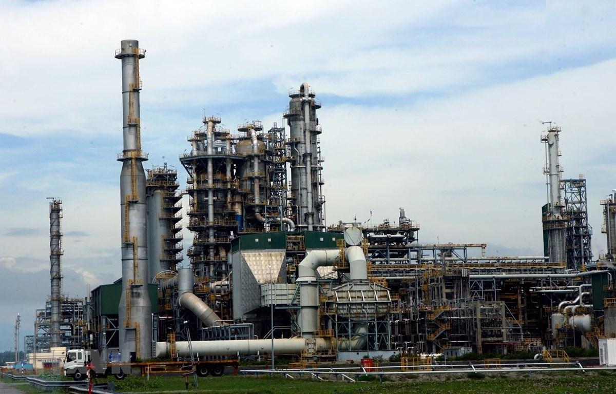 Một góc nhà máy lọc dầu Dung Quất. (Ảnh:Huy Hùng/TTXVN)