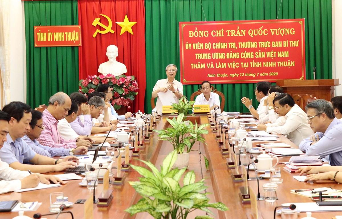 Thường trực Ban Bí thư Trần Quốc Vượng phát biểu tại buổi làm việc với Ban Thường vụ Tỉnh ủy Ninh Thuận. (Ảnh: Công Thử/TTXVN)