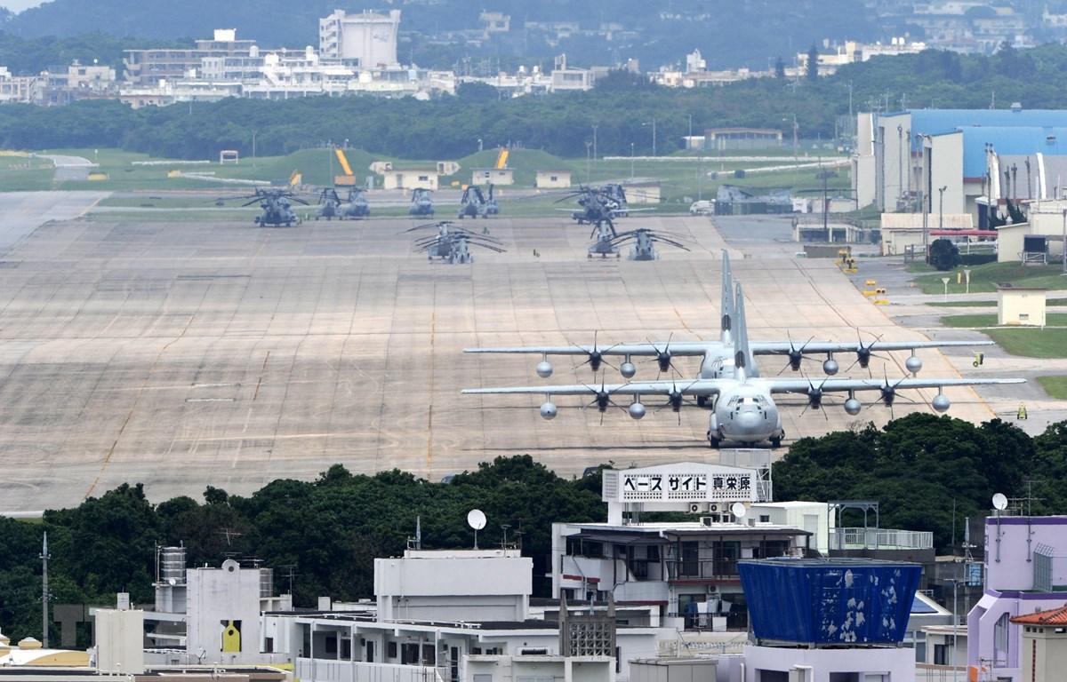 Căn cứ không quân Futenma của Lực lượng Lính thủy đánh bộ Mỹ tại Ginowan, tỉnh Okinawa, Nhật Bản. (Ảnh: AFP/TTXVN)