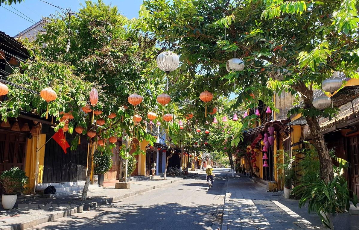 Phố cổ Hội An vắng du khách ngày 28/7/2020. (Ảnh: Trịnh Bang Nhiệm/TTXVN)