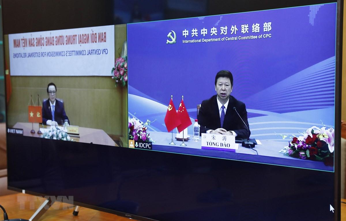Trưởng Ban Liên lạc đối ngoại Trung ương Đảng Cộng sản Trung Quốc, Tống Đào phát biểu tại đầu cầu Trung Quốc. (Ảnh: Dương Giang/TTXVN)