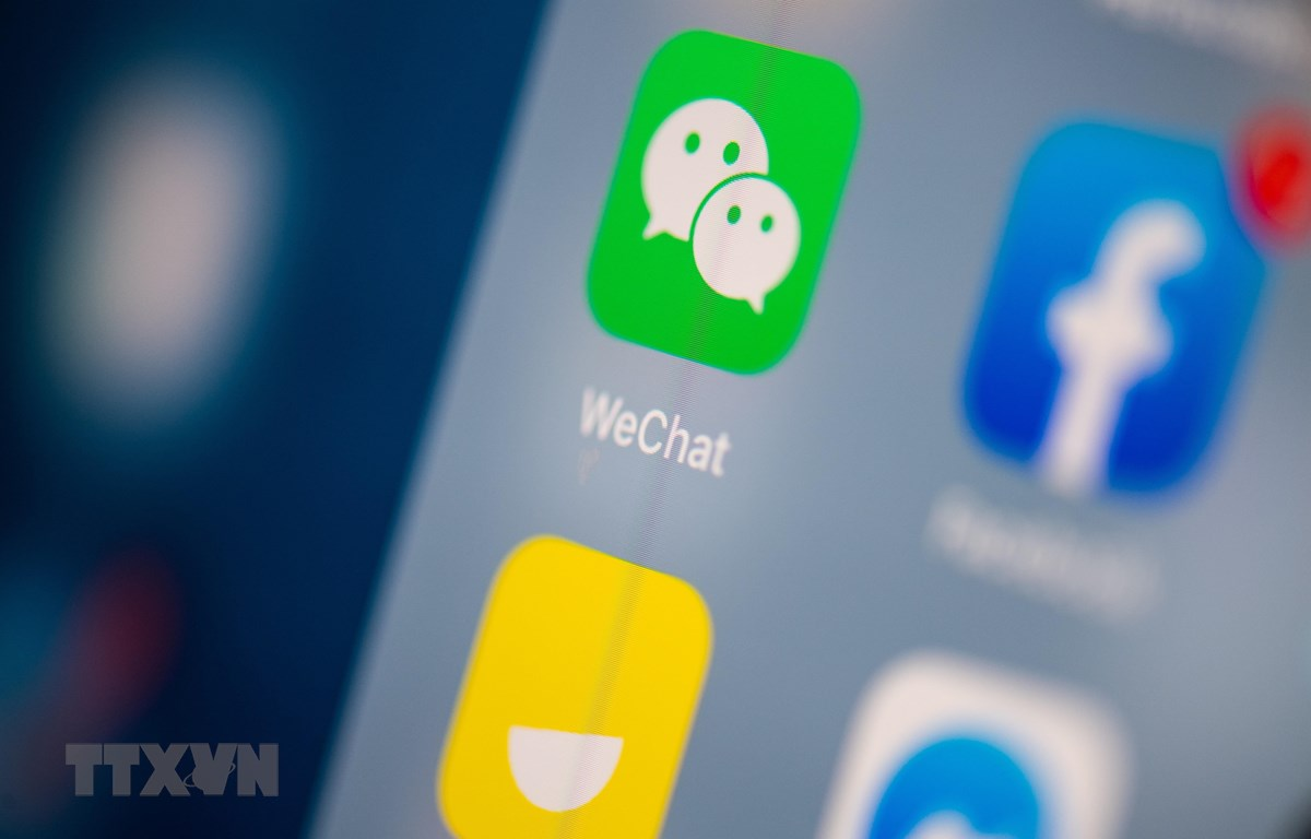Biểu tượng ứng dụng WeChat trên màn hình máy tính bảng. (Ảnh: AFP/TTXVN)
