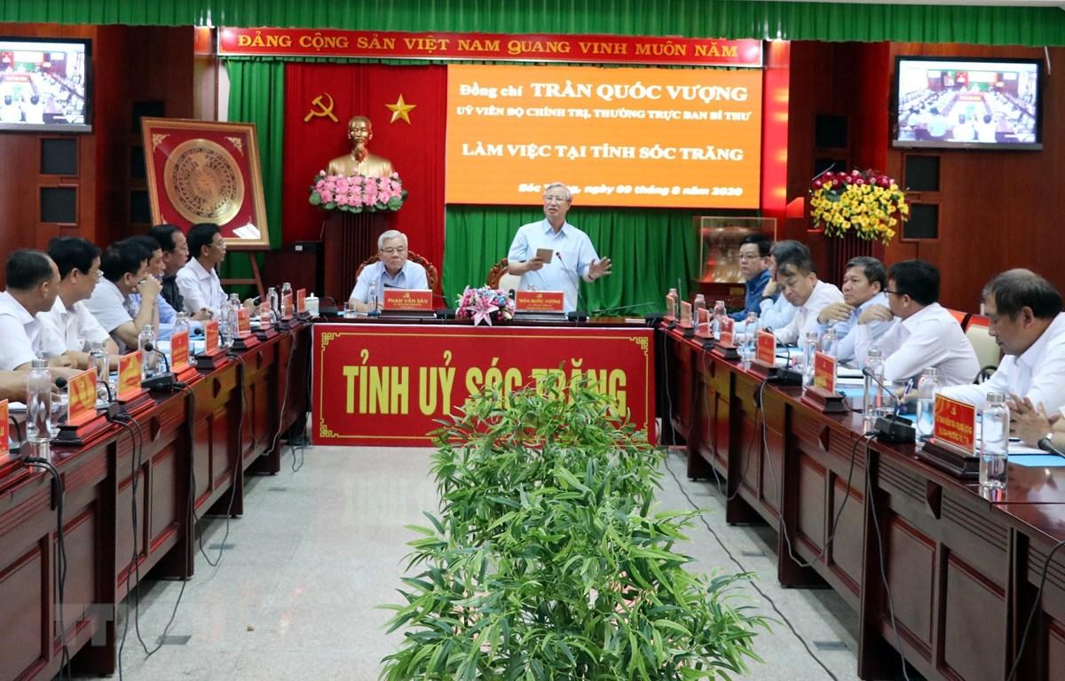 Ông Trần Quốc Vượng, Thường trực Ban Bí thư phát biểu tại buổi làm việc với Tỉnh ủy Sóc Trăng. (Ảnh: Trung Hiếu/TTXVN)