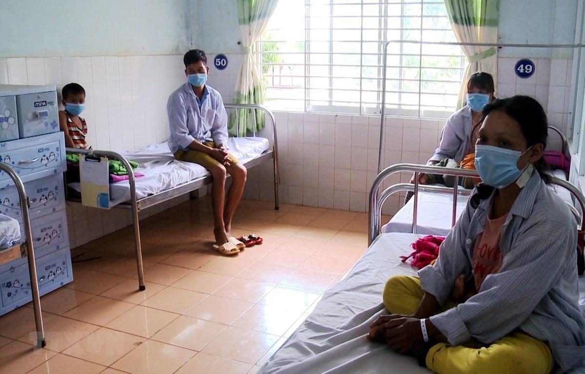 Bệnh viện Đa khoa tỉnh Gia Lai tập trung điều trị cho các bệnh nhân mắc bệnh bạch hầu. (Ảnh: TTXVN)