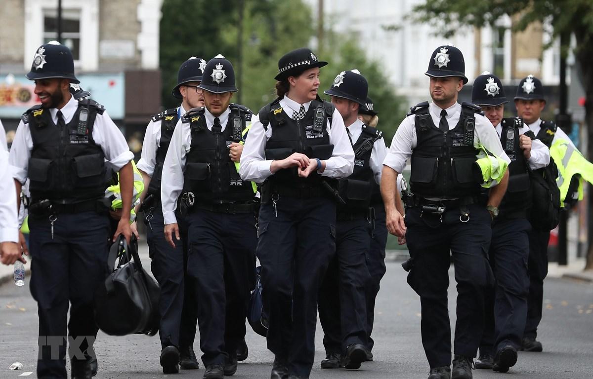 Cảnh sát Anh tuần tra tại thủ đô London. (Ảnh: AFP/TTXVN)