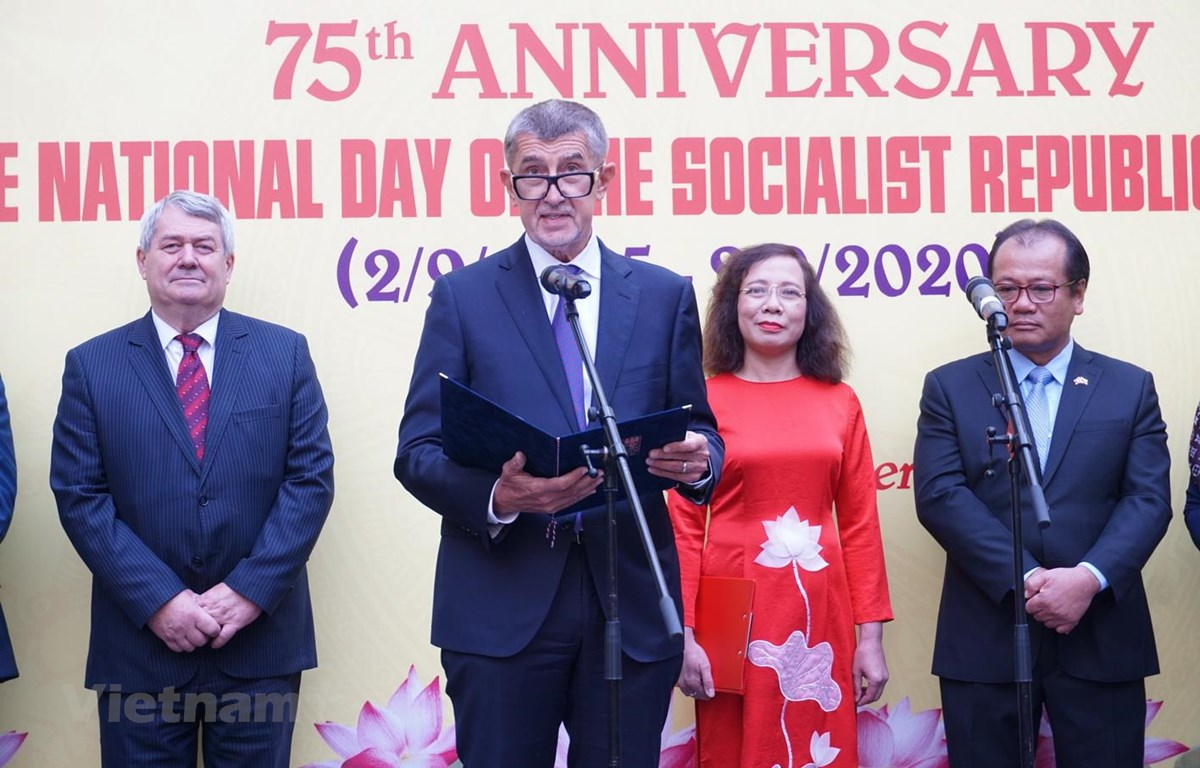 Thủ tướng Séc Andrej Babis phát biểu chúc mừng Quốc khánh Việt Nam. (Ảnh: Hồng Kỳ/Vietnam+)