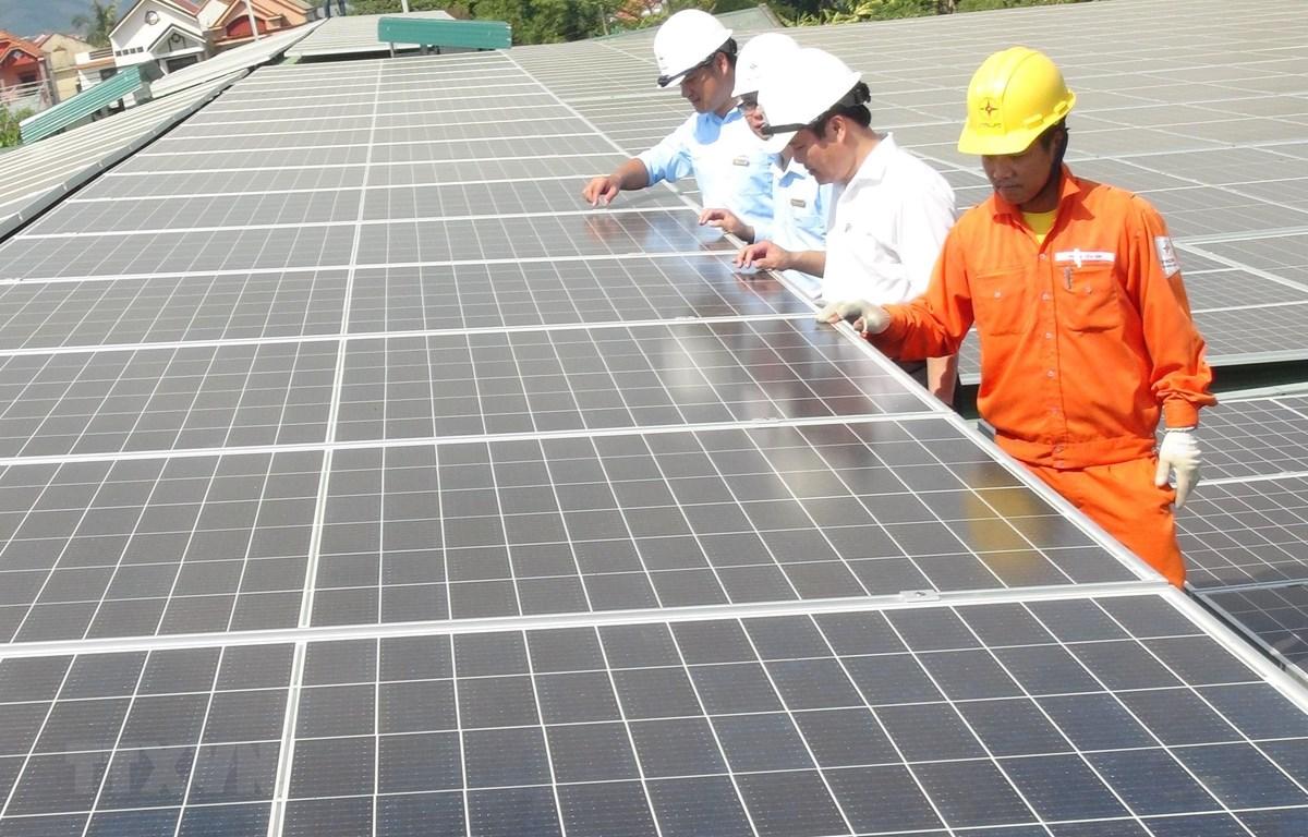Công trình điện Mặt Trời mái nhà lớn nhất tỉnh Quảng Bình đi vào đóng điện vận hành ngày 28/7. (Ảnh: Đức Thọ/TTXVN)