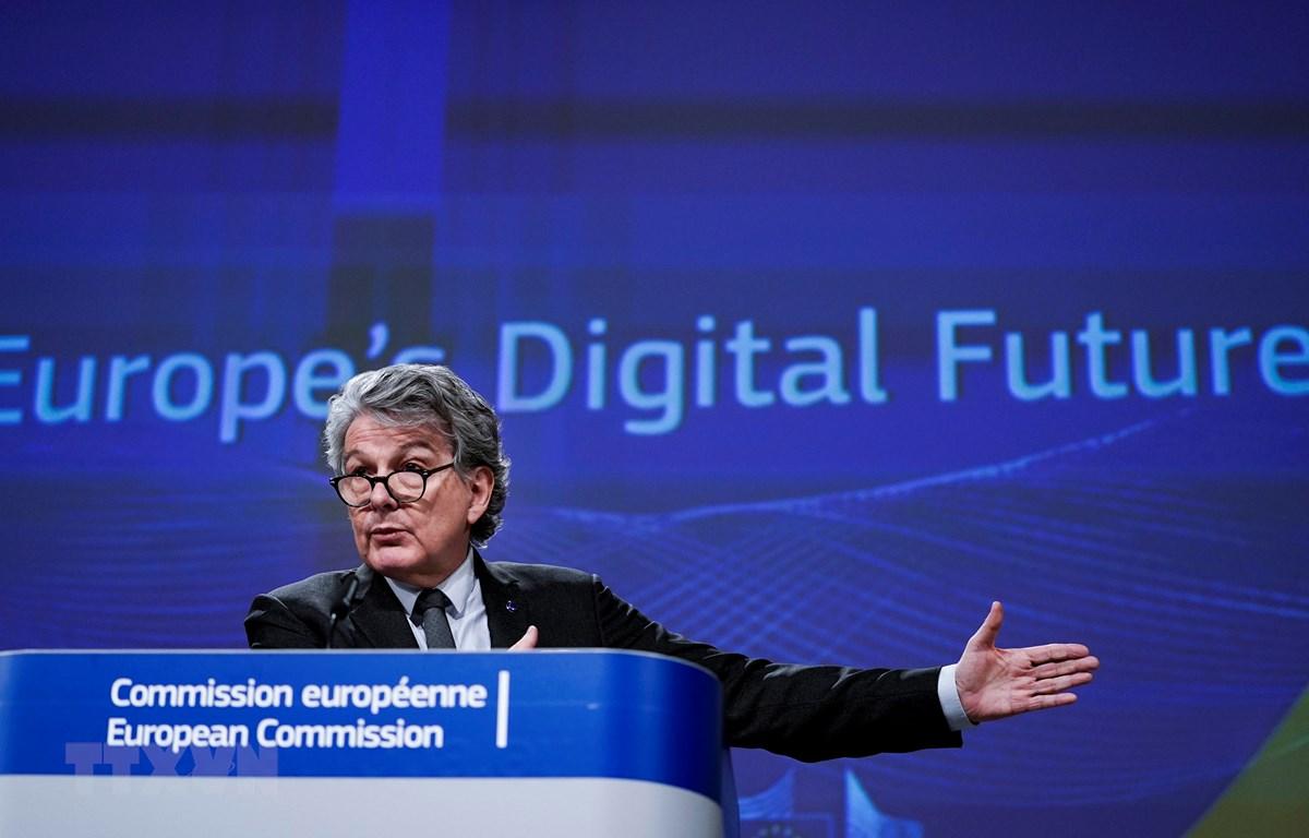 Ủy viên Liên minh châu Âu (EU) phụ trách thị trường nội địa Thierry Breton. (Ảnh: AFP/TTXVN)