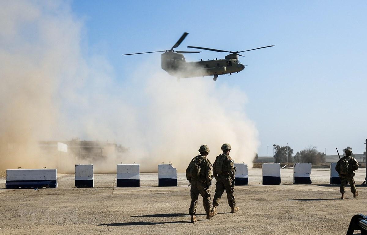Binh sỹ Mỹ được triển khai tại làng Oreij, phía bắc Mosul, Iraq. (Ảnh: AFP/ TTXVN)