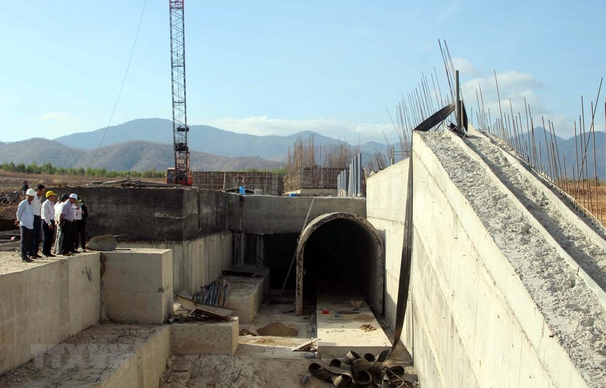 Dự án thủy lợi được đầu tư bằng vốn ngân sách tại tỉnh Ninh Thuận. (Ảnh: Công Thử/TTXVN)
