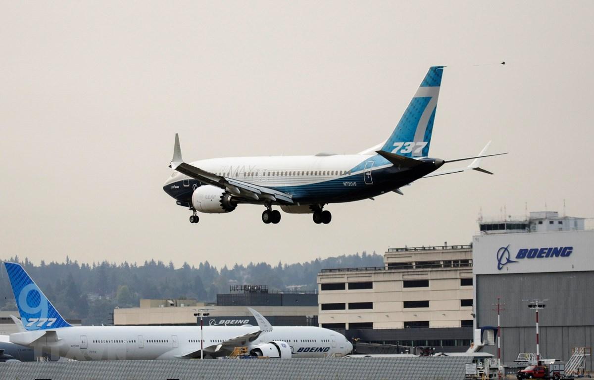 Máy bay Boeing 737 MAX thực hiện chuyến bay kiểm tra tại nhà máy của Boeing ở Seattle, Washington, Mỹ, ngày 30/9/2020. (Ảnh: AFP/TTXVN)