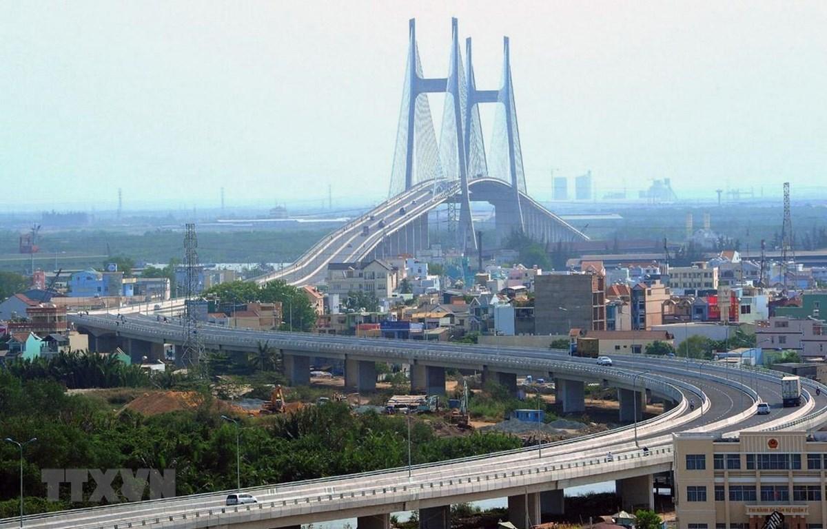 Một góc Thành phố Hồ Chí Minh (cầu Phú Mỹ bắc từ quận 7 sang quận 2). (Ảnh: Kim Phương/TTXVN)