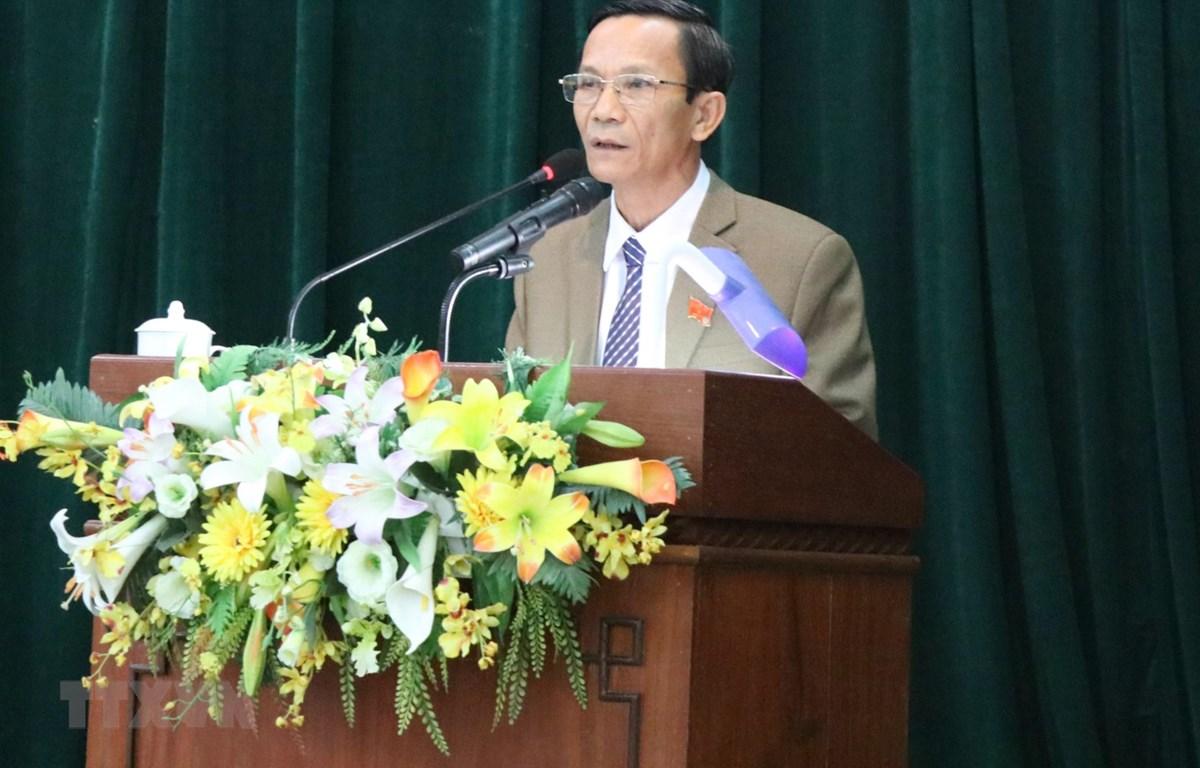 Ông Lê Thanh Đồng, Phó Chủ tịch Hội đồng nhân dân tỉnh Phú Yên nhiệm kỳ 2016-2021, phát biểu tại kỳ họp. (Ảnh: Phạm Cường/TTXVN)