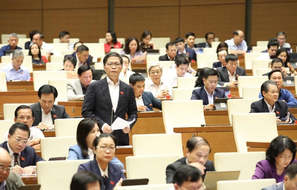 Bộ trưởng Bộ Công Thương Trần Tuấn Anh phát biểu giải trình, làm rõ một số vấn đề đại biểu Quốc hội nêu. (Ảnh: Văn Điệp/TTXVN)