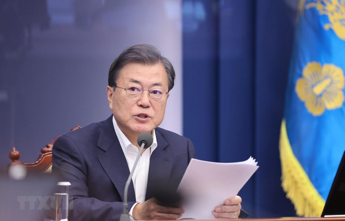 Tổng thống Hàn Quốc Moon Jae-in phát biểu tại cuộc họp với các thư ký cấp cao ở Seoul ngày 9/11/2020. (Ảnh: Yonhap/TTXVN)