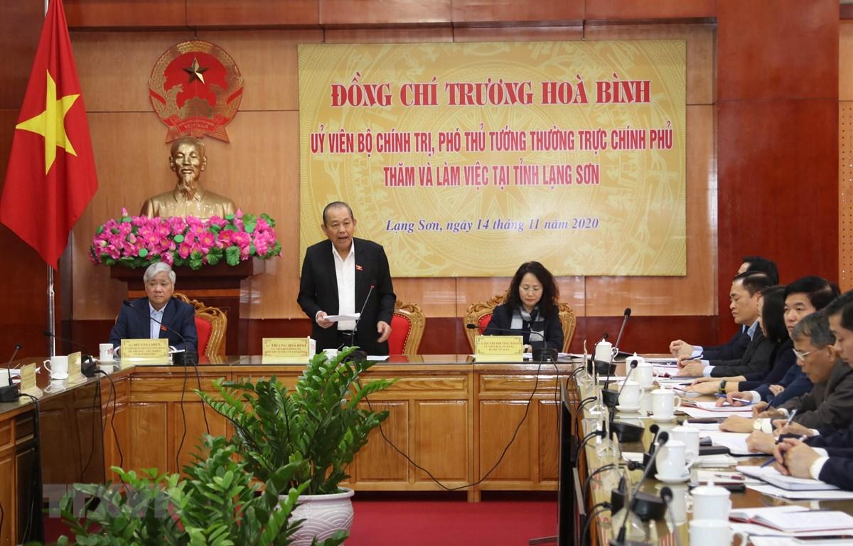 Phó Thủ tướng thường trực Chính phủ Trương Hòa Bình phát biểu tại buổi làm việc. (Ảnh: Quang Duy/TTXVN)