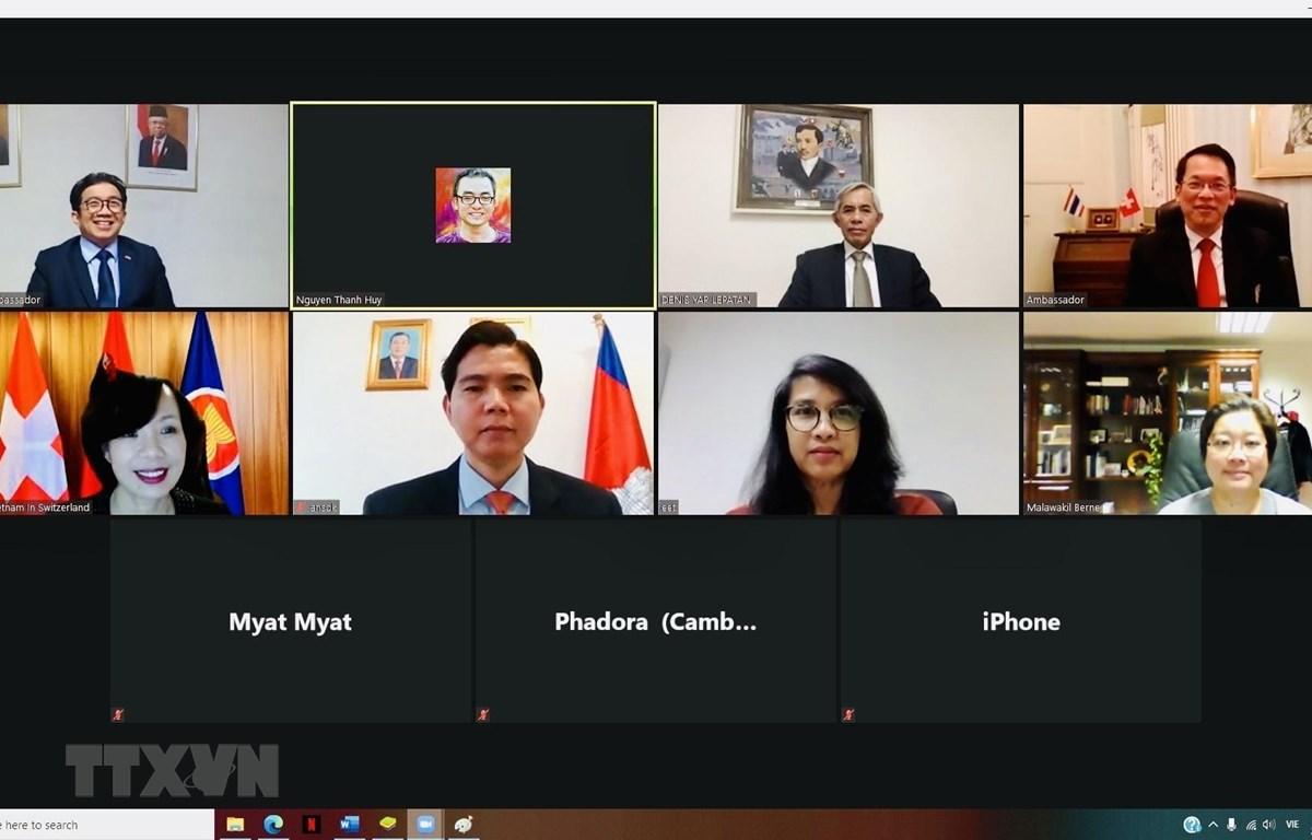 Cuộc họp trực tuyến đầu tiên trong nhiệm kỳ Chủ tịch Ủy ban ASEAN Bern (ACB) của Việt Nam. (Ảnh: Tố Uyên/TTXVN)