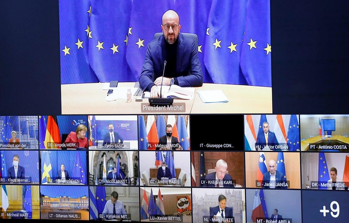 Chủ tịch Hội đồng châu Âu Charles Michel (trên) chủ trì Hội nghị trực tuyến Hội đồng châu Âu tại Brussels, Bỉ ngày 29/10/2020. (Ảnh: AFP/TTXVN)