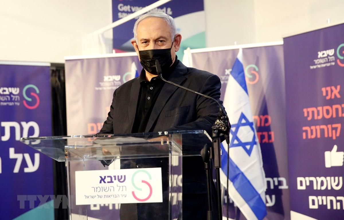 Thủ tướng Benjamin Netanyahu phát biểu sau khi tiêm vắcxin phòng COVID-19 tại Ramat Gan, Israel, ngày 19/12/2020. (Ảnh: THX/TTXVN)