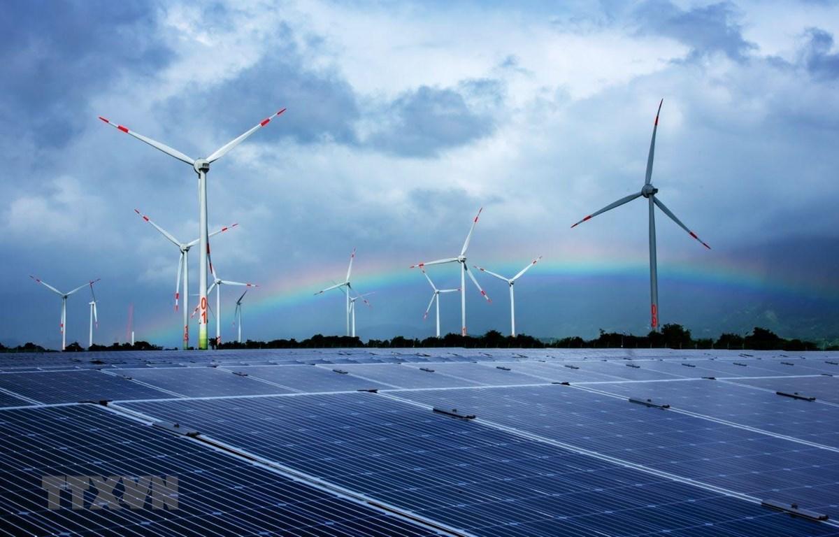 Dự án điện gió và điện Mặt Trời tại xã Lợi Hải và Bắc Phong (Thuận Bắc) được triển khai nhanh nhờ sự hỗ trợ lớn của tỉnh Ninh Thuận. (Ảnh: Minh Hưng/TTXVN)