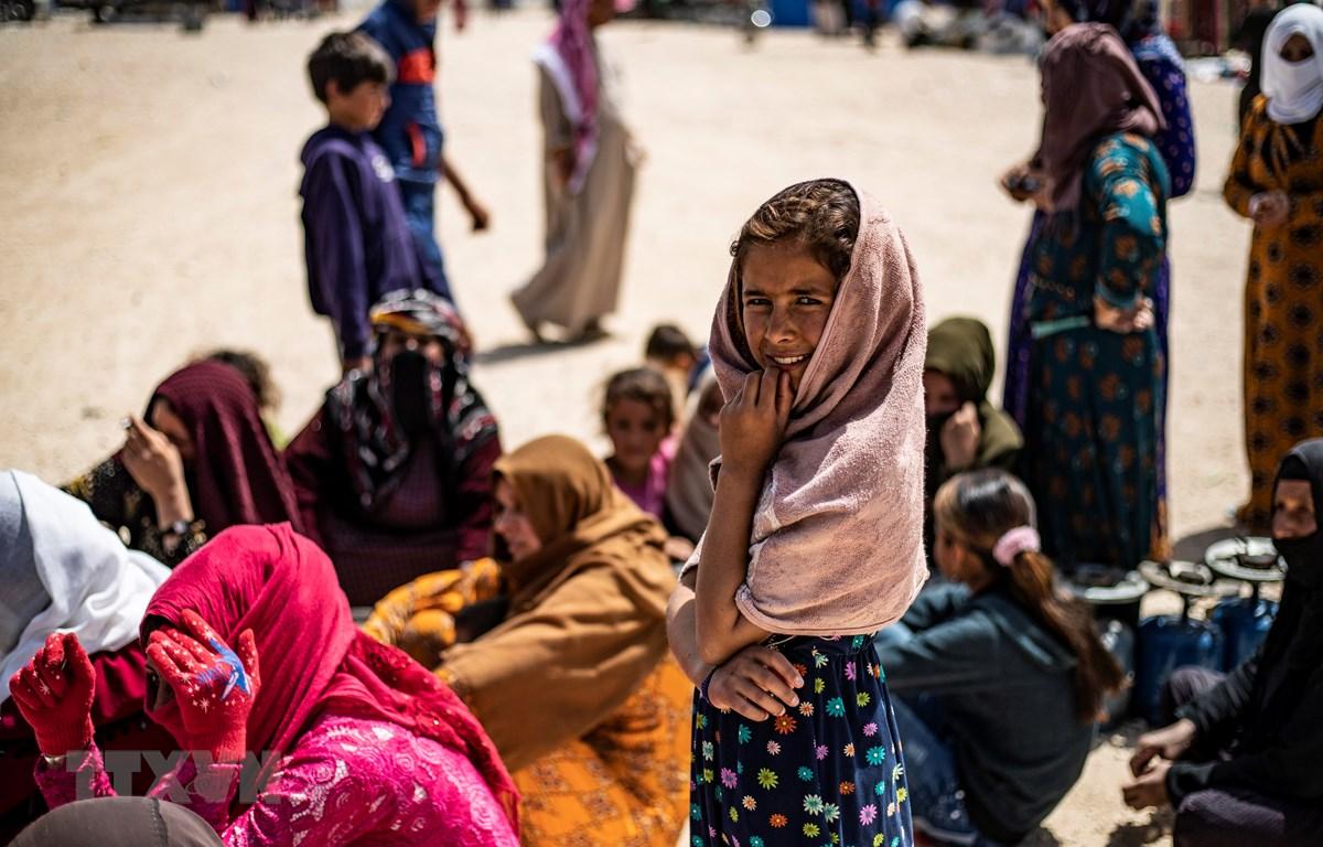 Người dân Syria bị mất nhà cửa do chiến tranh tại Hasakah, đông bắc Syria. (Ảnh: AFP/TTXVN)