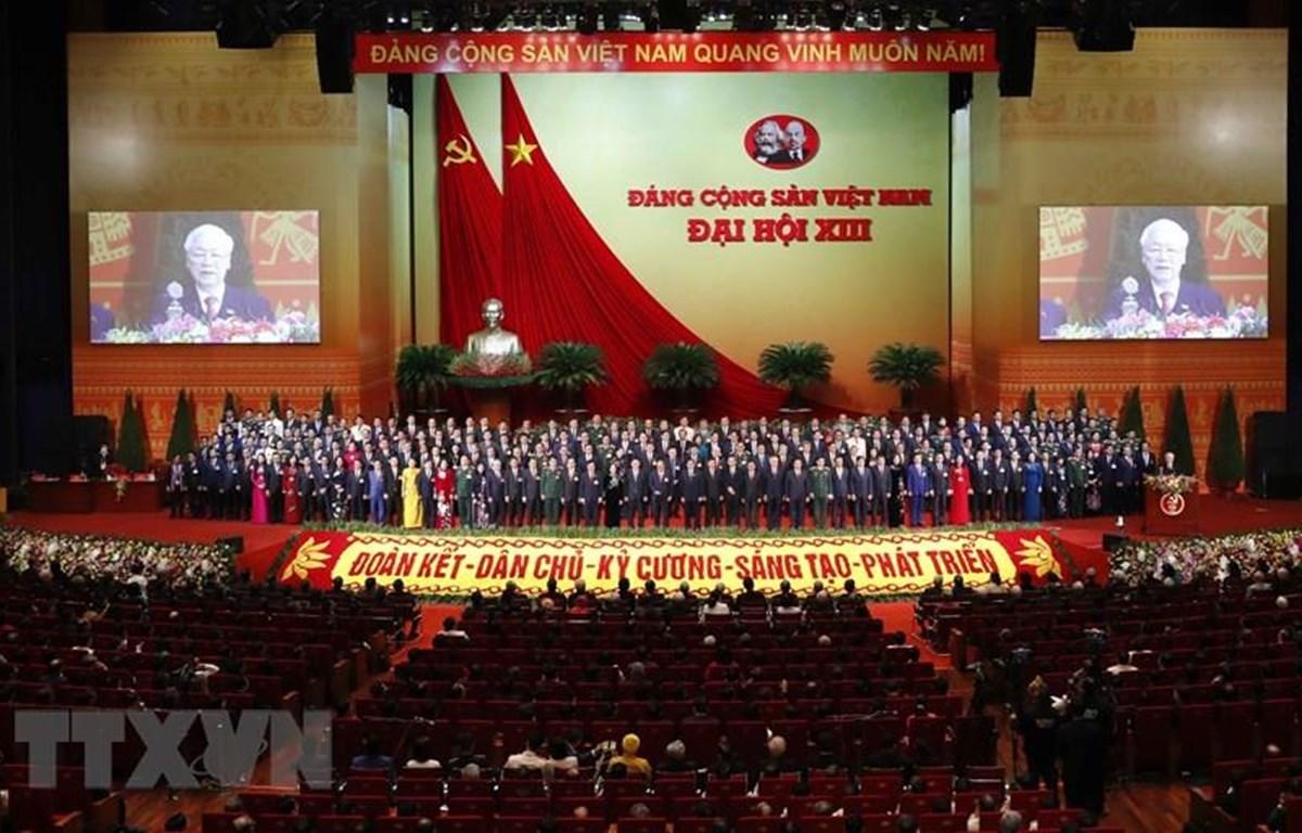 Đồng chí Nguyễn Phú Trọng, Tổng Bí thư BCHTW khóa XIII, Chủ tịch nước CHXHCN Việt Nam thay mặt BCHTW khóa XIII phát biểu ý kiến. (Ảnh: TTXVN)