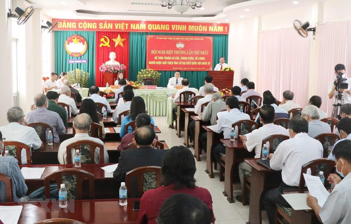 Hội nghị hiệp thương lần thứ nhất để thỏa thuận người ứng cử đại biểu Quốc hội và HĐND tỉnh Khánh Hòa. (Ảnh: Tiên Minh/TTXVN)