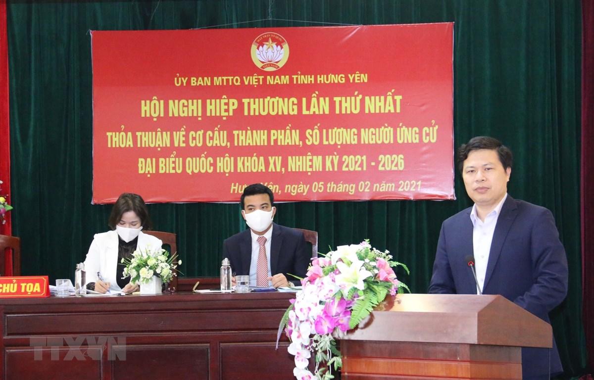 Chủ tịch HĐND tỉnh Hưng Yên, Trần Quốc Toản phát biểu tại hội nghị. (Ảnh: Đinh Tuấn/TTXVN)