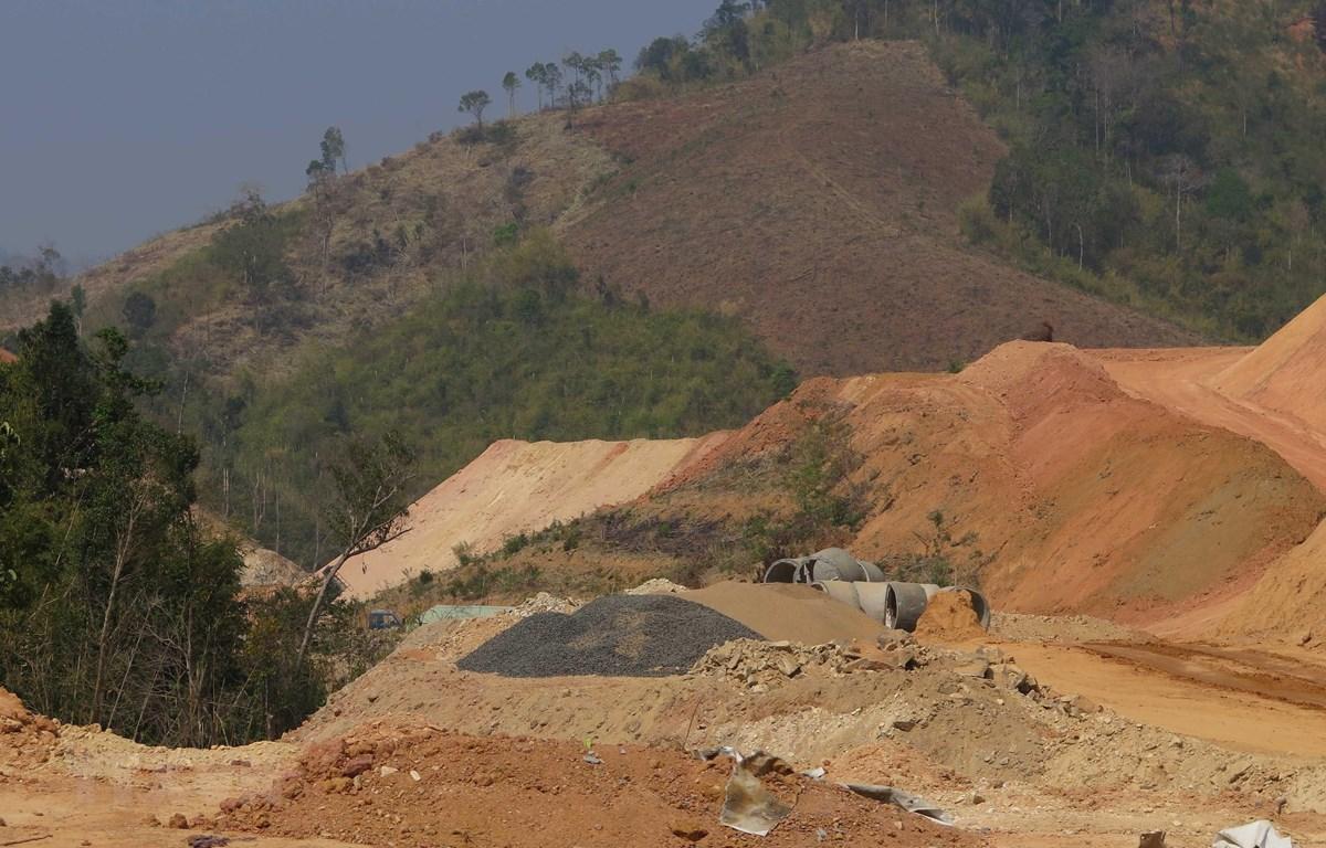 Dự án Hồ chứa nước Đăk Pokei, huyện Kon Rẫy chỉ đạt 5% kết quả giải ngân vốn đầu tư công năm 2020 khiến công trình vẫn còn ngổn ngang. (Ảnh: Dư Toán/TTXVN)