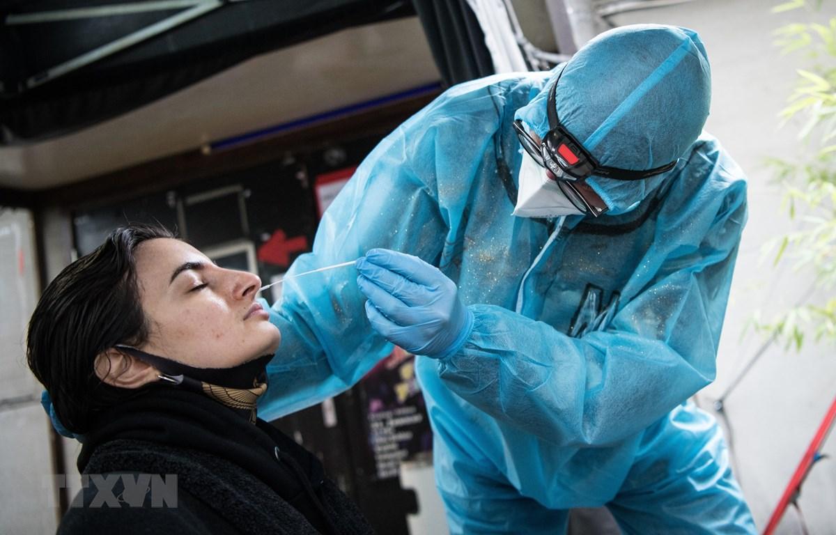 Người dân Đức thất vọng về các biện pháp hạn chế và tiến độ tiêm chủng