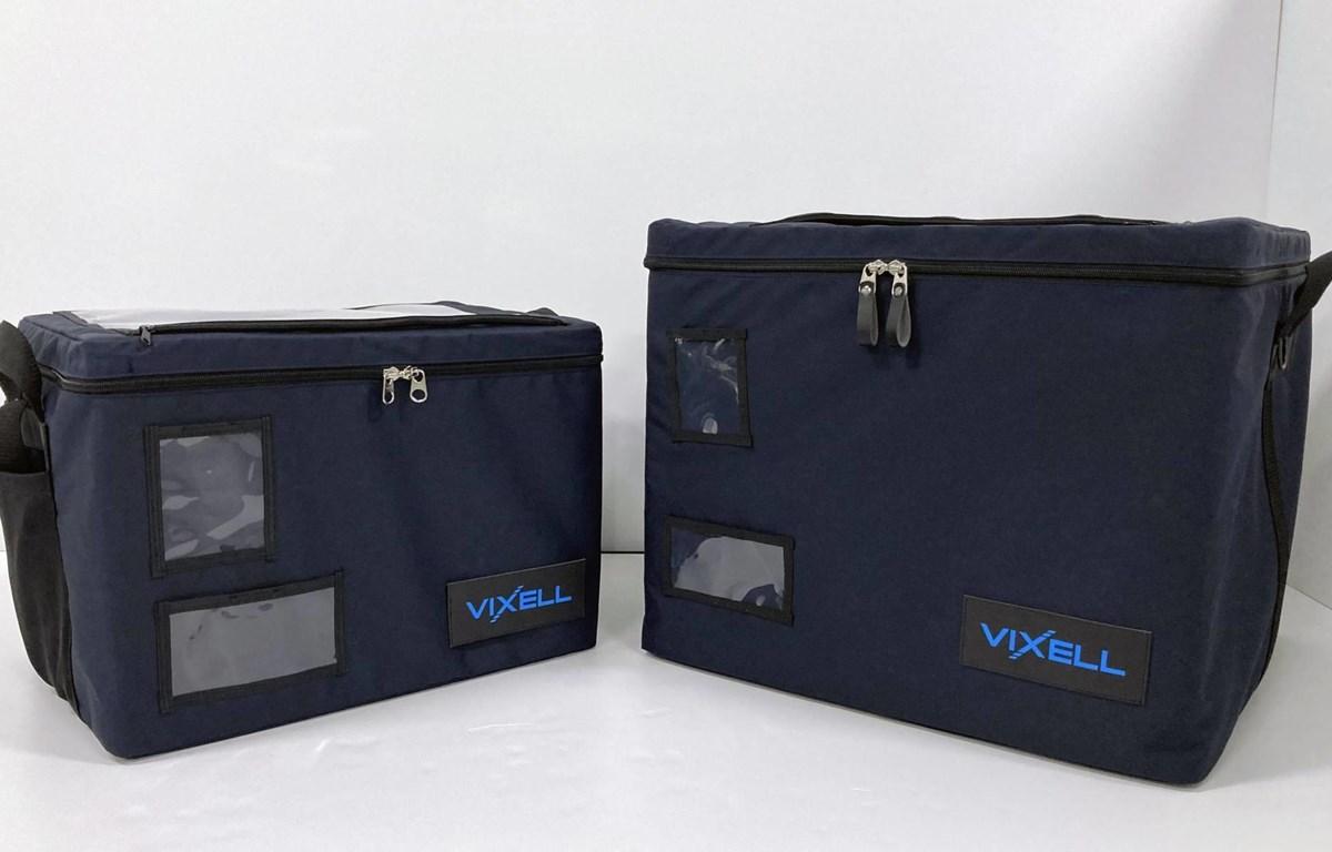 Các hộp lạnh của Panasonic Corp. có khả năng lưu trữ và vận chuyển vắcxin COVID-19. (Nguồn: Kyodo)