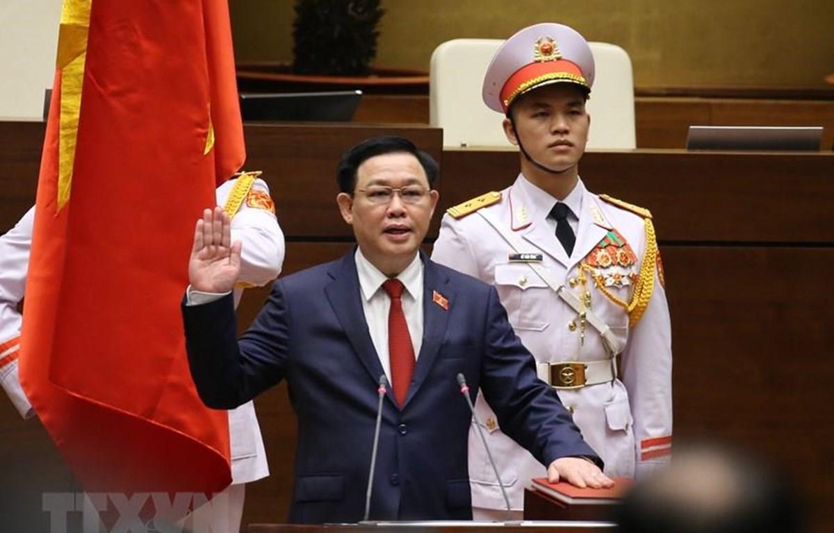 Chủ tịch Quốc hội Vương Đình Huệ tuyên thệ nhậm chức. (Ảnh: Dương Giang/TTXVN)