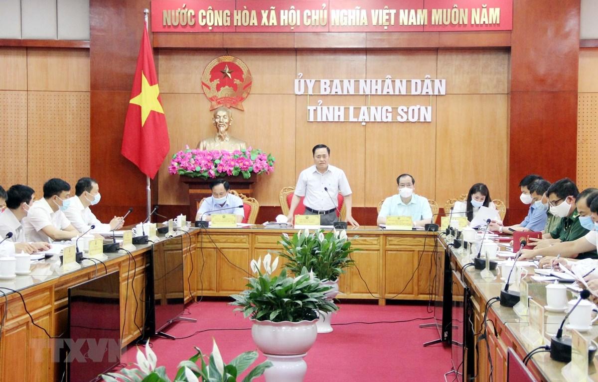 Ban Chỉ đạo phòng, chống dịch COVID-19 tỉnh Lạng Sơn tổ chức họp khẩn về công tác phòng, chống dịch. (Ảnh: Thái Thuần/TTXVN)