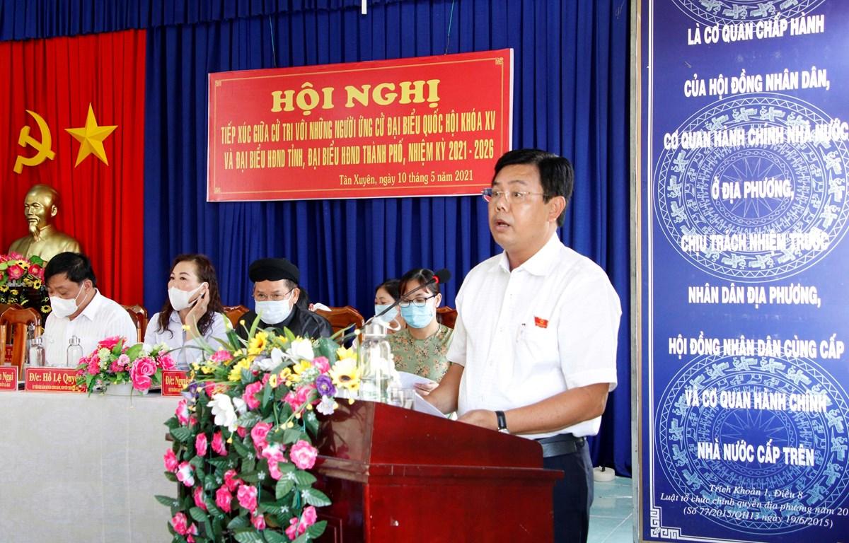 Bí thư Tỉnh ủy, Chủ tịch HĐND tỉnh Cà Mau Nguyễn Tiến Hải phát biểu tại hội nghị. (Ảnh: Kim Há/TTXVN)