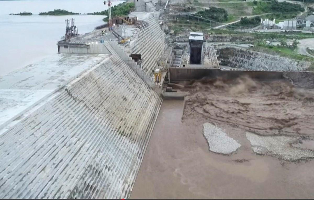 Công trình xây dựng đập thủy điện Đại Phục Hưng ở Guba, Ethiopia ngày 20/7/2020. (Ảnh: AFP/TTXVN)